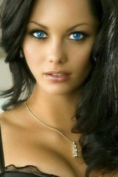 Jessica Jane Clement - Xylia Clearwater So beautiful ! Pretty Eyes, Cool Eyes, Brunette Beauty, Hair Beauty, Portrait Photos, Stunning Eyes, Dead Gorgeous, Lovely Eyes, Woman Face