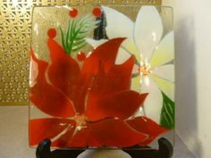 "Wm McGrath Fused Art Glass Poinsettia Flower Christmas 7"" Plate 