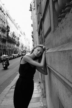 "Magdalena Frackowiak in ""Last Days in Paris"" by Daniella Rech, 23 settembre 2012 Street Photography, Portrait Photography, Fashion Photography, Fitz Huxley, Shotting Photo, Perfect Day, Perfect Place, Street Portrait, Looks Street Style"