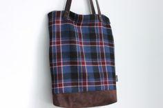 Woolen tote bag wool and suede handbag Fall bag por MUNIshop