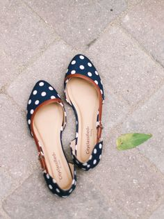 Navy blue polka-dot flats: http://www.stylemepretty.com/little-black-book-blog/2015/08/28/rustic-romantic-wisconsin-barn-wedding/ | Photography: Kate Weinstein - http://www.kateweinsteinphoto.com/