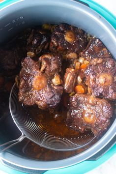 This Jamaican Oxtail recipe is the perfect Caribbean stew for dinner. Delicious and tender oxtail and butter beans that is cooked to perfection. Make it in the Instant Pot or any electric Pressure Cooker. Slow cooker instructions also included. Oxtail Recipes Crockpot, Best Beef Recipes, Beef Steak Recipes, Cooking Recipes, Curry Recipes, Delicious Recipes, Pressure Cooker Oxtail, Pressure Cooker Recipes, Jamaican Oxtail Stew