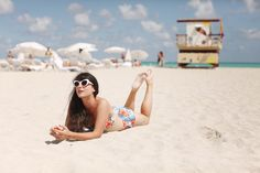 love the retro beach style & I wish I was there too!