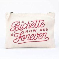 <p>Pochette zippée en coton écru sérigraphié, avec le message en rouge Bichette now and forever design Lolita Picco. Un joli cadeau à faire et à compléter avec le pin's assorti ! On aime le graphisme utilisé et l'humour du message.</p>