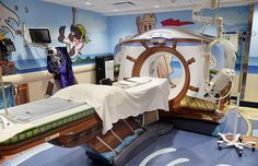 New York Children Hospital Pirate-Themed CT Scanner Hospitals are rarely a pleasant experience, and even less so for the kids. The New York-Presbyterian Morgan Stanley Children's Hospital, however,. General Electric, Scary Kids, Hospital Design, Pirate Theme, Childrens Hospital, Kids Hospital, Hospital Room, Angst, Decoration