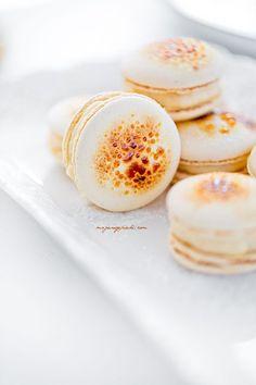 Crème Brûlée macarons