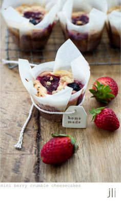 mini berry crumble cheesecakes