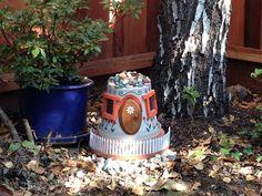 Gnome House, gnome gardens, DIY, terra cotta planters, clay pots, garden art, garden containers, how to, gnomes, fairy gardens