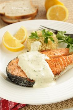 Salmon with cream sauce Fish Recipes, New Recipes, Cooking Recipes, Salmon With Cream Sauce, Looks Yummy, Fish And Seafood, Entrees, Nom Nom, Food And Drink