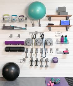 Home Gym Garage, Diy Home Gym, Gym Room At Home, Home Gym Decor, Basement Gym, Best Home Gym, Basement Remodeling, Workout Room Decor, Workout Room Home