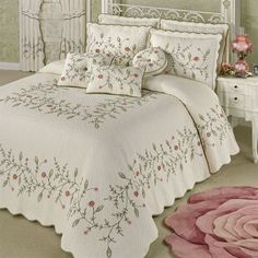 The flowers and leaves on the Pretty Posy Oversized Quilted Bedspread look delicate yet elegant. Grande bedspread is cotton and features a vining floral motif.Shop Touch of Class for elegant bedspreads, comforters, and more with coordinating pillows Bed Cover Design, Bed Design, Quilt Bedding, Bedding Sets, Chic Bedding, Elegant Comforter Sets, Designer Bed Sheets, Embroidered Bedding, California King Bedding