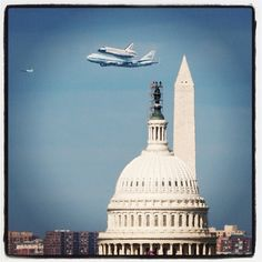 """this is the last """"flight"""" of the Discovery.....We Miss The Space Shuttle :("""
