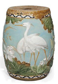A look at English, American and Continental Victorian majolica and faience from a historical, aesthetic and collectible point of view. Antique Pottery, Pottery Art, George Jones, Chinoiserie Chic, Garden Seating, Oriental, Glazes For Pottery, Interior Exterior, Earthenware