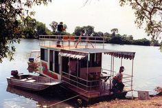 (16) houseboats
