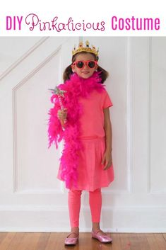 DIY Costumes Inspired By Favorite Book Characters - DIY Pinkalicious costume, dress like a book character Book Costumes, Scary Costumes, Teacher Costumes, Halloween Costumes, Halloween Halloween, Vintage Halloween, Halloween Makeup, Storybook Character Costumes, Storybook Characters