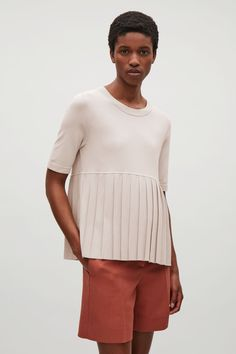 Shop jumpers and cardigans from the women's knitwear collection at COS; timeless shapes and relaxed cuts in cashmere, merino and cotton. Cos Fashion, Womens Fashion, Cos Tops, Cut Sweatshirts, Dress Codes, Knitwear, Cashmere, Tunic Tops, Clothes For Women