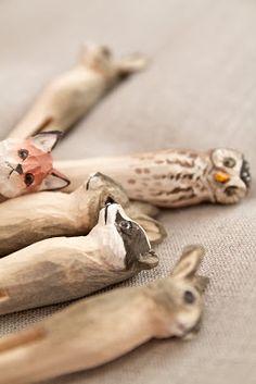 Animals carved into clothespins.  Marie Elisabeth's : Jos metsään tahdot mennä nyt....