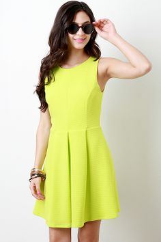 Classic silhouette in a bright color perfect for spring. The sun is out might as well shine #springfashion #urbanog