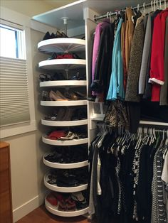 closet layout 430023464420917304 - Shoe carousel Source by clechevallier Closet Walk-in, Bedroom Closet Storage, Bedroom Closet Design, Master Bedroom Closet, Closet Designs, Closet Space, Walk In Closet, Shoe Carousel, Dressing Room Design