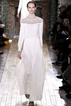 Valentino Spring 2011 Couture Fashion Show: Runway Review - Style.com