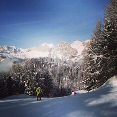 """@pshenichnikovam's photo: """"Красота вокруг #italy #alps #pozzadifassa #pozza"""" @Val di Fassa #fassaski14"""