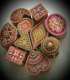Quilled boxes - by: Unknown Artist