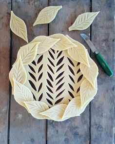 Baker Reveals Amazing Pie Crust Designs in Before & After Photos - Baking - Torten Homemade Pie Crusts, Pie Crust Recipes, Pastry Recipes, Creative Pie Crust, Beautiful Pie Crusts, Pie Crust Designs, Pie Decoration, Pies Art, Pastry Design