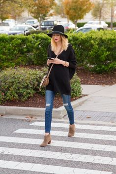 Hit the streets in the most comfortable way with an oversized boyfriend sweater!