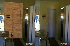 Painel de madeira escondendo uma porta
