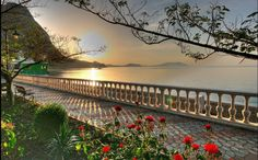 Nature and landscape photography Strand Wallpaper, Beach Wallpaper, Wallpaper Pc, Nature Wallpaper, Beautiful Scenery Wallpaper, Beautiful Landscapes, Holiday Places, Natural Scenery, Summer Sunset
