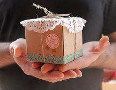 gift package idea  with washi and doily- GIFTS CHRISTMAS ..       ♪ ♪ ... #inspiration_crochet #diy GB