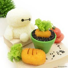 Baby Baymax waiting patiently to harvest the last carrot 🌱 Inspiration from dear 😊❤ You guys have to check out her super adorable baby Baymax (it was ❤ at first sight for me) and her hilarious crazy chicken! Cute Food Art, Creative Food Art, Japanese Food Art, Japanese Sweets, Kawaii Cooking, Cute Bento Boxes, Bento Recipes, Bento Ideas, Kawaii Bento