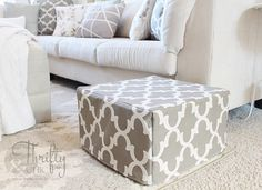 DIY Ottoman or floor pouf made from mattress cubes! I like this idea! Shelf Furniture, Furniture Makeover, Painted Furniture, Diy Pillows, Floor Pillows, Diy Ottoman, Floor Pouf, Small Apartment Living, Cube Shelves