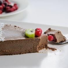 Tort raw de caise si ciocolata - Arome de poveste Healthy Life, Healthy Food, Healthy Recipes, Raw Vegan, Coco, Diets, Pudding, Cooking, Desserts