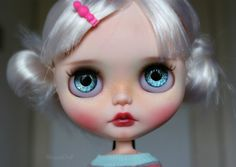 Little Polly is looking for new home. She is original Blythe Cadence Majorette (RBL+) bought new for customization with beautiful long white hair.