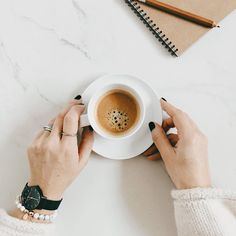 Morning coffee + a fresh notepad | onlinestylist on Instagram |