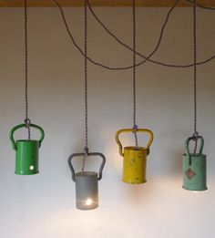 Suspensions made with caps of gas cylinders. It's the deco idea of Sunday! Recycle your gas bottle caps to turn them into pretty suspensions. It's the deco idea of Sunday! Lamp, House Lamp, Kids Deco, Diy Déco, Tall Floor Lamps, Tall Lamps Bedroom, Vintage Lamps, Modern Lamp, Deco