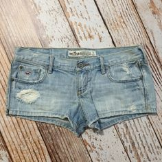 Jean Shorts Great condition / come with a hole in front / light wash / selling because they're too small Hollister Shorts Jean Shorts
