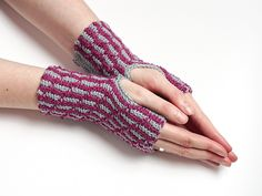 Ravelry: Fly Fly Mittens pattern by Tanja Osswald