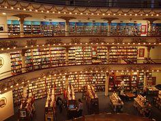 una de las màs grandes librerias del mundo, uno de los lugares màs lindos de mi ciudad