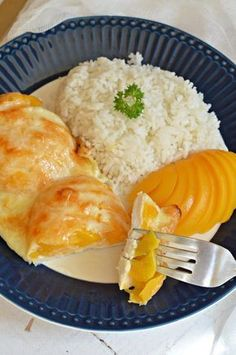 Gyors, sajtos-őszibarackos csirkemell – Rupáner-konyha Shrimp Recipes Easy, Diet Recipes, Chicken Recipes, Healthy Recipes, Recipies, Eastern European Recipes, Clean Eating, Healthy Eating, Hungarian Recipes