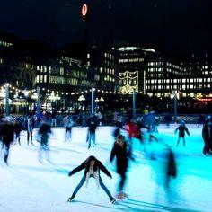 Ice skating in Kungsträdgården