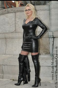 Red Leather Dress, Red Leather Boots, Long Leather Coat, Leather Dresses, Black Boots Outfit, Sexy Boots, Vinyl Dress, Leder Outfits, Latex Dress