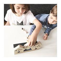 Las casitas ChinPum son ideales,  un bonito regalo para jugar y decorar cualquier rincón. Se colocan en su calle de madera o las puedes poner individualmente .  REGALA CHINPUM   #chinpum #casitas #casitaschinpum #casasdemadera #woodenhouse #woodentoys #juguetesdemadera #casas #conmiradademadre #kidsdecor #kids #kidsdesign #designforkids #playtime #nordicstyle #hechoenespaña #sostenible #ecojuguetes #etsygifts #gift #regalo