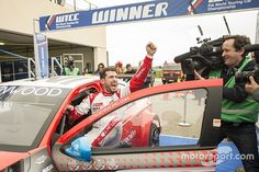 In his first of a new series of columns for Motorsport.com, reigning WTCC champion Jose Maria Lopez looks back on a tough but successful opening weekend of the 2016 season at Paul Ricard.