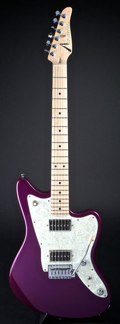 TOM ANDERSON Raven Shorty in Metallic Purple | World Guitars #vintageguitars