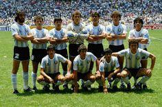 Argentina, winner of the 1986 FIFA World Cup Mexico : (top row) Batista, Cucciuffo, Olarticoechea, Pumpido, Brown, Ruggeri and Maradona | (front row) Burruchaga, Giusti, Héctor Enrique and Valdano.