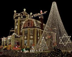 15 Outrageously Beautiful Christmas Light Displays - Christmas Decorating -