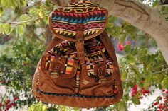 T-Shirt & Jeans Tribal Backpack seen on Nati per morire blog #Tribal