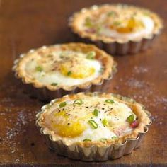 We are all about these mini #breakfast #tarts--especially on busy December mornings! Get the recipe here: